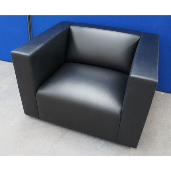 Knoll Shelton Mindel Black Leather Armchair