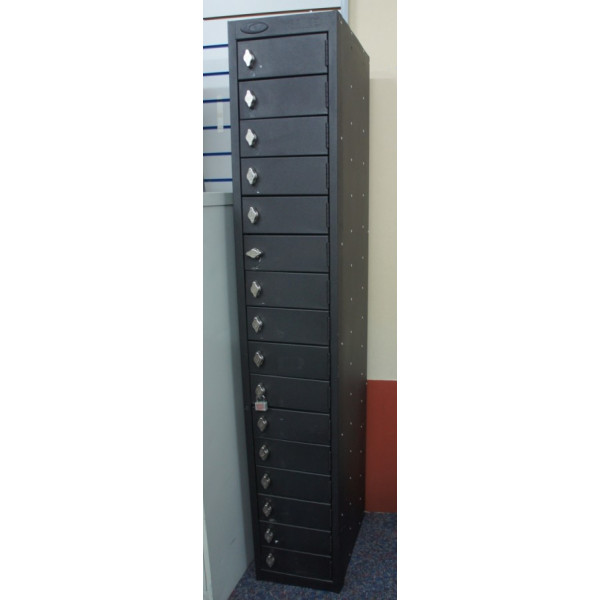 Black 16 Door Lockers