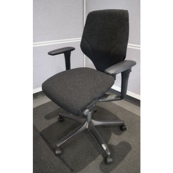 Giroflex G64 Charcoal Operators Chair