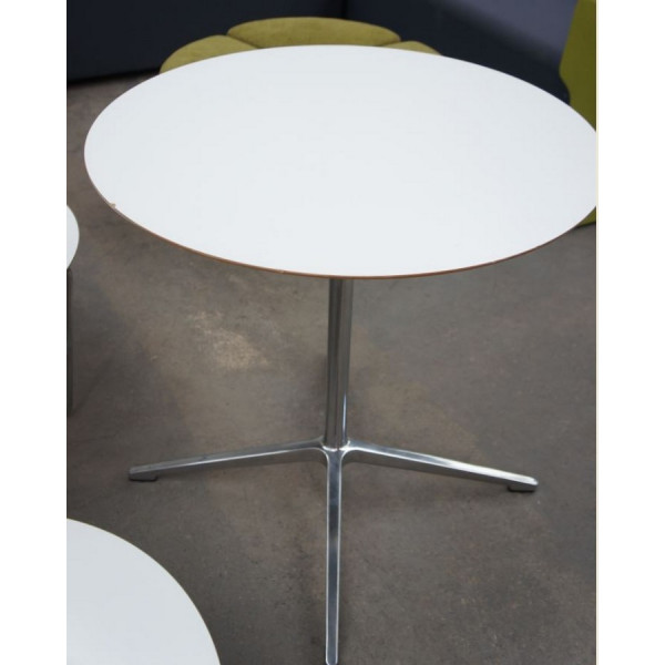 Senator White 750 diameter Table
