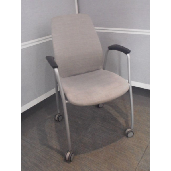 Kinnarps Grey Meeting Chair