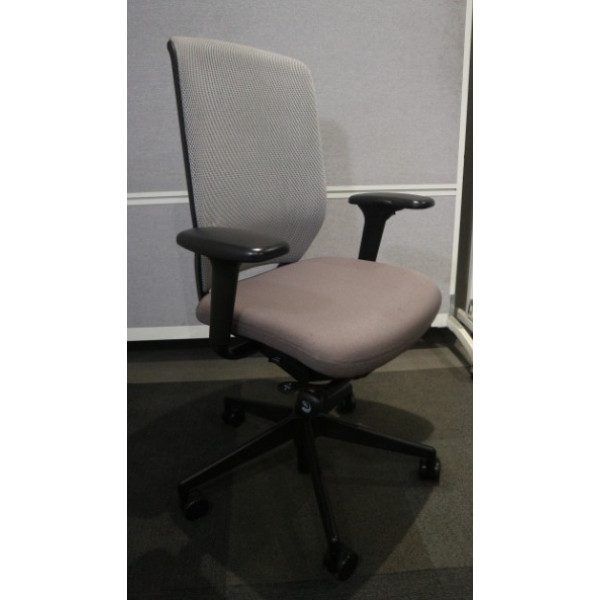 Senator Evolve Grey Mesh Back Operators Chair