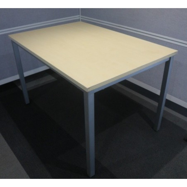 Maple 1200 x 800 Table