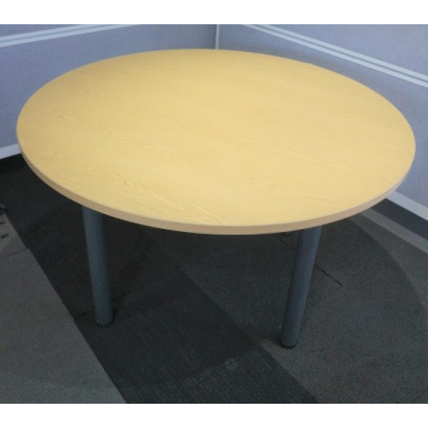 Round Oak 1200 dia Table