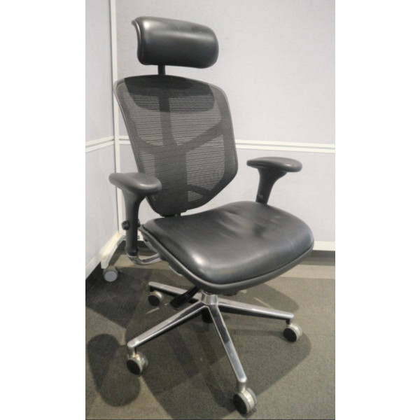 Black Mesh Back Operators Chair with Headrest
