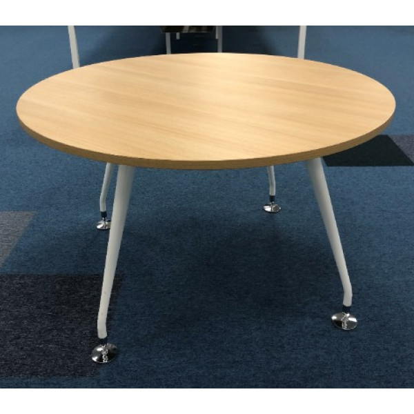 Mobili Round Oak 1200 diameter Meeting Table