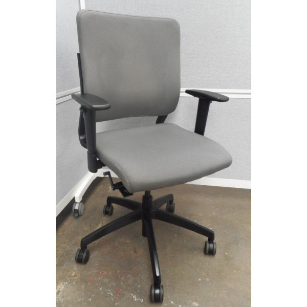 Pledge Oxygen Grey Operators Chair