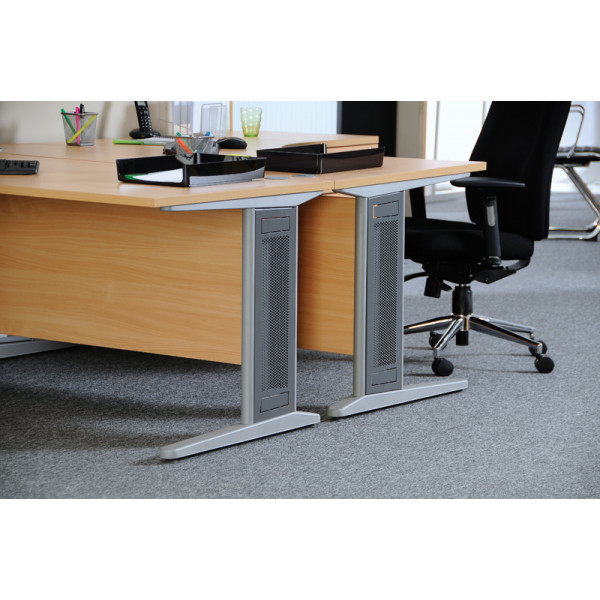 Largo straight desk 800mm deep