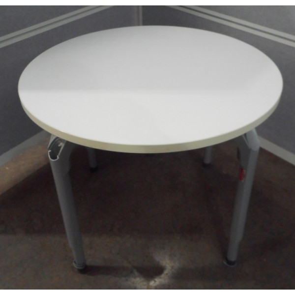 White 900 diameter Table