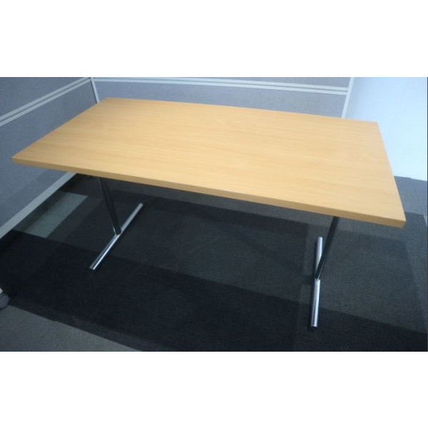 Beech 1400 x 800 Folding Table