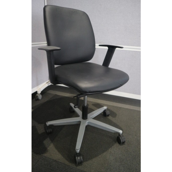 Sedus Early Bird Black Vinyl Operators Chair