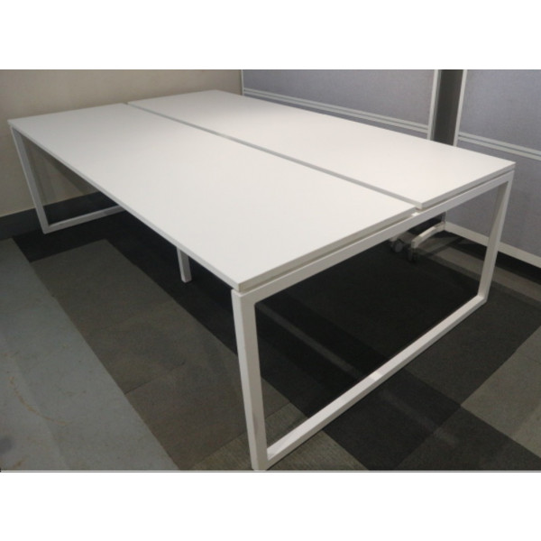 Narbutas Pod of 4 Straight White Desks