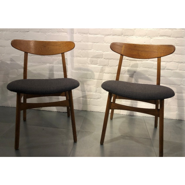 Pair of Hans J. Wegner Carl Hansen & Søn CH30P Chairs