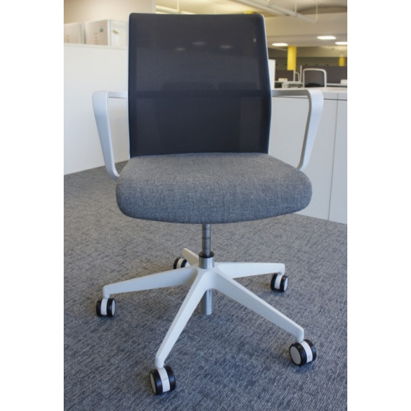 Senator Circo Soft White Meeting Chair