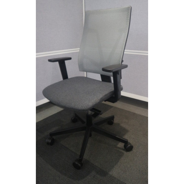Nowy Styl 4ME Grey Mesh Back Operators Chair